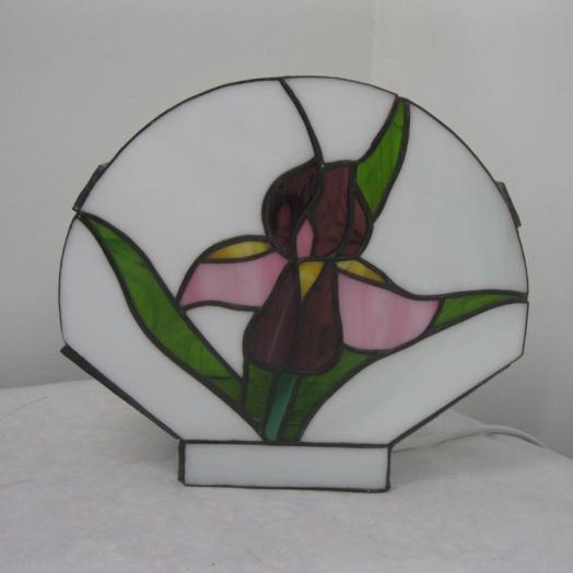Lampe tiffany avec une fleur