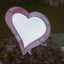 Miroir en coeur avec les bords en vitrail tiffany rose