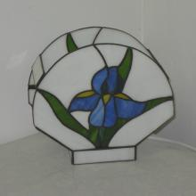 Lampe tiffany avec une fleur bleue